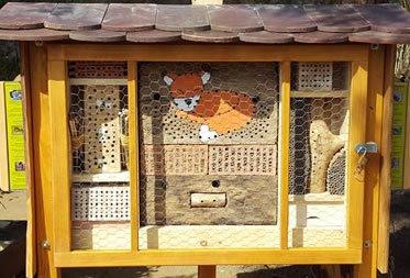 Ein neues Zuhause für Wildbienen